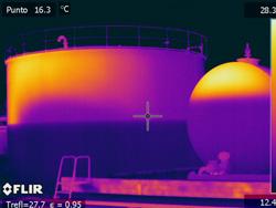 Con la implementación de programas de inspecciones termográficas en instalaciones, maquinaria, cuadros eléctricos, etc es posible minimizar el riesgo de un fallo de equipos y sus consecuencias